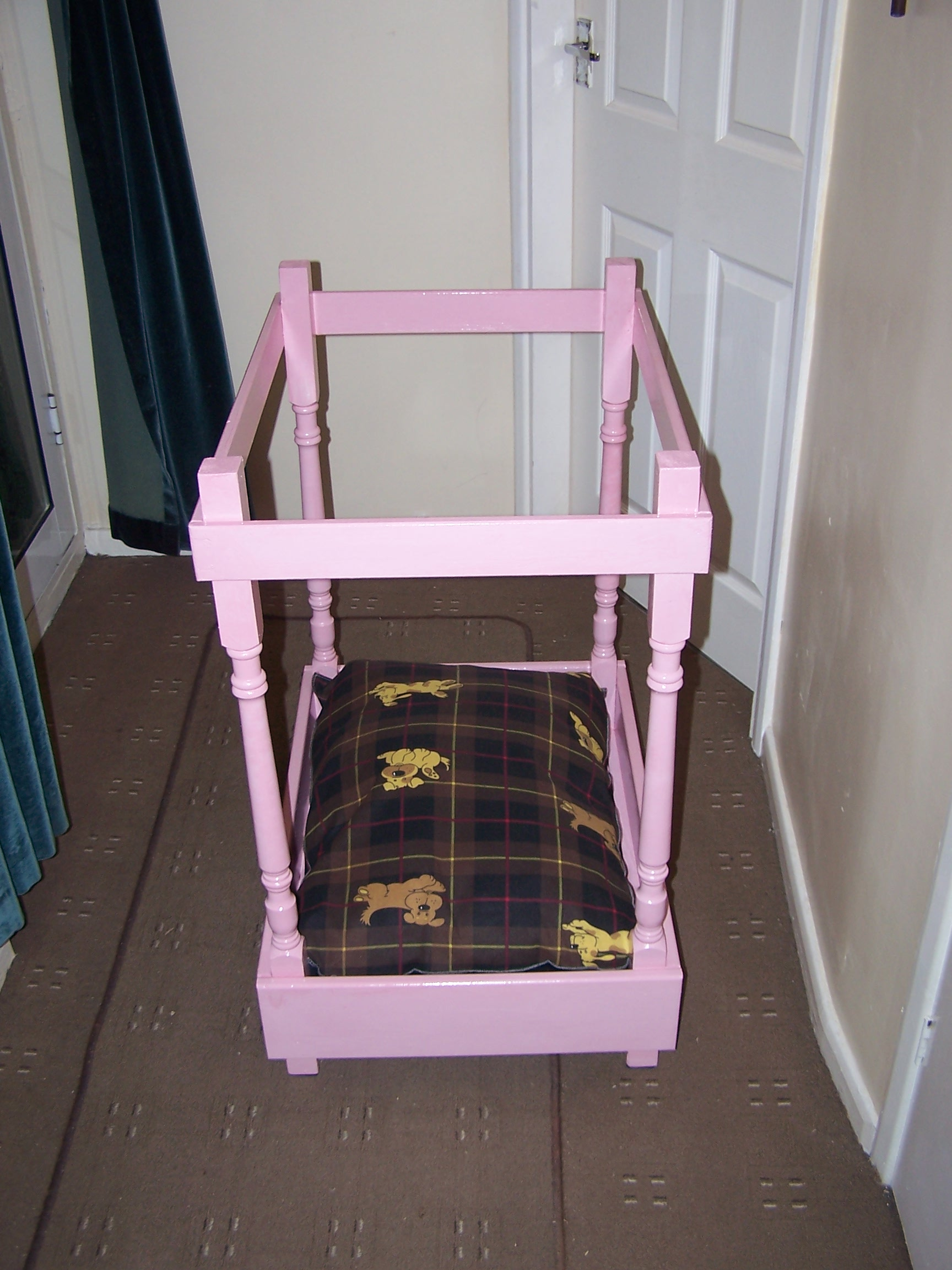Picture of: The 4 Poster Dog Bed Popular Woodworking Magazine