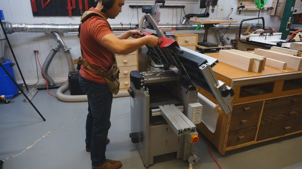 unlocking the jointer bed