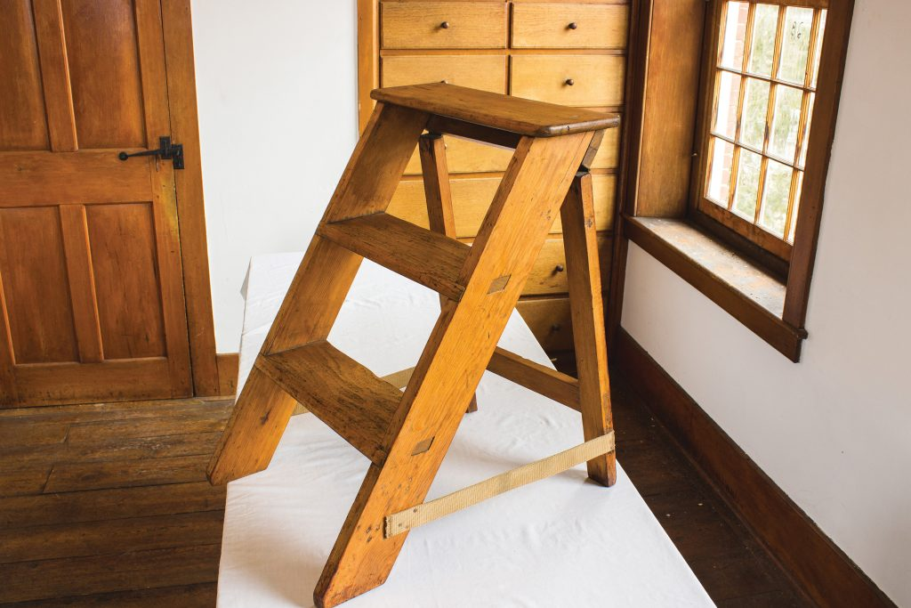 original shaker step stool