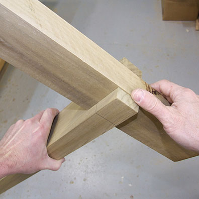 How to Make a Simple Sawhorse