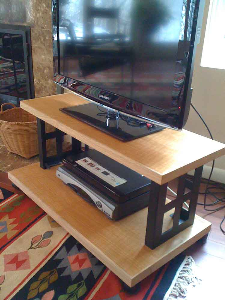 Flat Screen Tv Stand In A Weekend Popular Woodworking Magazine