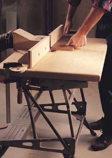 Learn how to build a router table with this free tutorial.